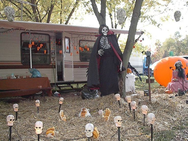Camping in Halloween