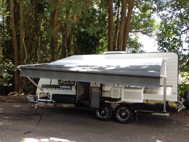 Set Up A Roll Out Awning for a Caravan